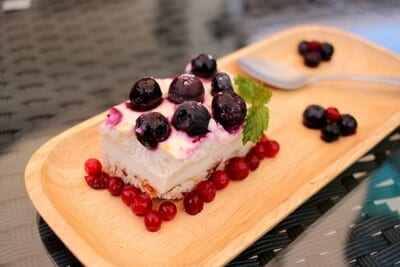 zesty-lime-berry-cheese-cake